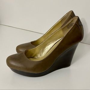 Seychelle's Gray/brown wedges